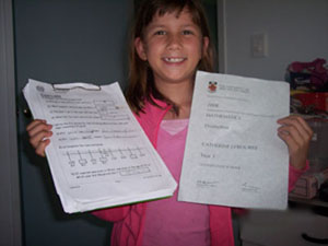 Catherine with her MathsPower Certificate.